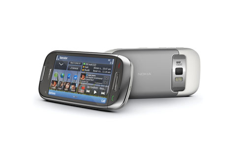 Nokia C7- Front and back lores