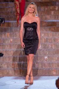 Anna Falchi modella per EAN 13 a Sfilata d'Amore e Moda
