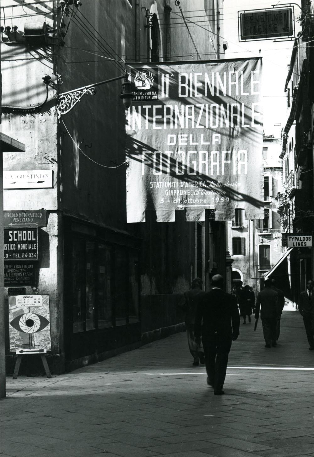 II Biennale Internazioanle della Fotografia. Foto GiuseppeBruno1959. Colelzione Romeo e Jacqueline Martinez sm