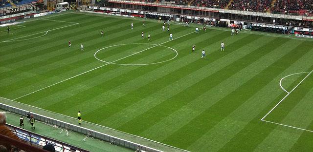 Cori razzisti durante la partita napoli bologna gianni for Sono due in una partita di calcio
