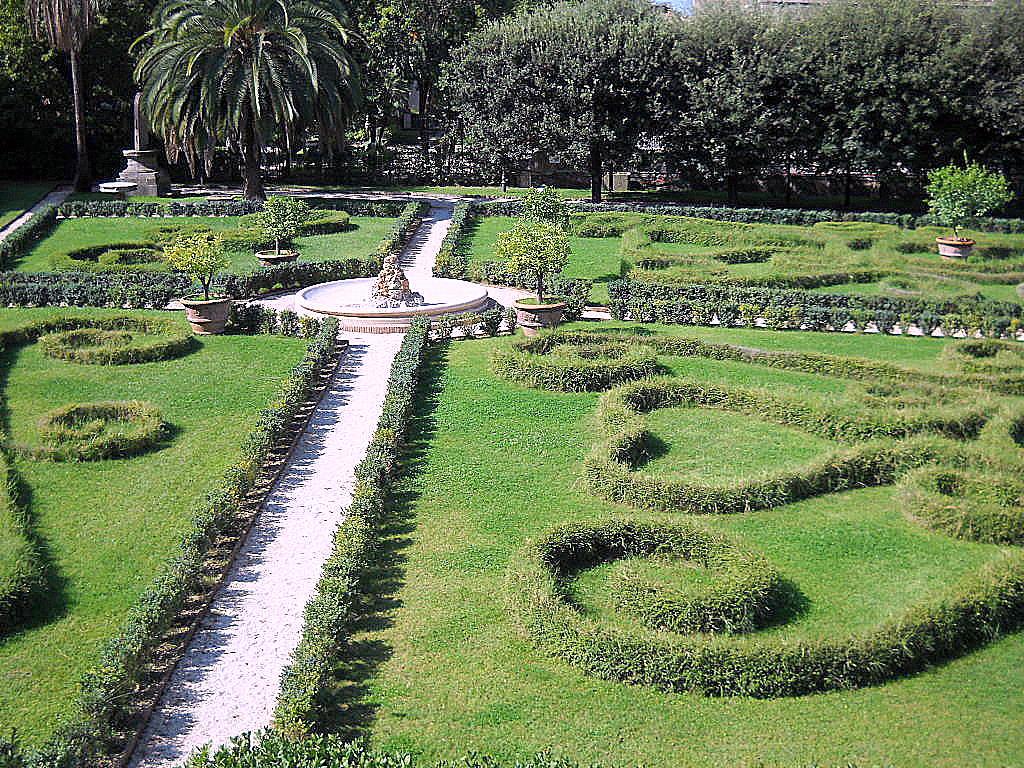 Palazzo_Barberini_giardini