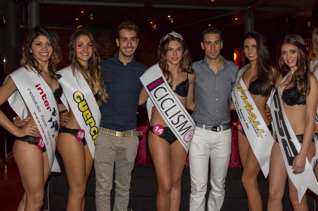 Vincenzo Nibali premia Miss Ciclismo 2014 Giada Macchi