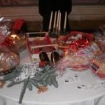 tavola con cesti natalizi
