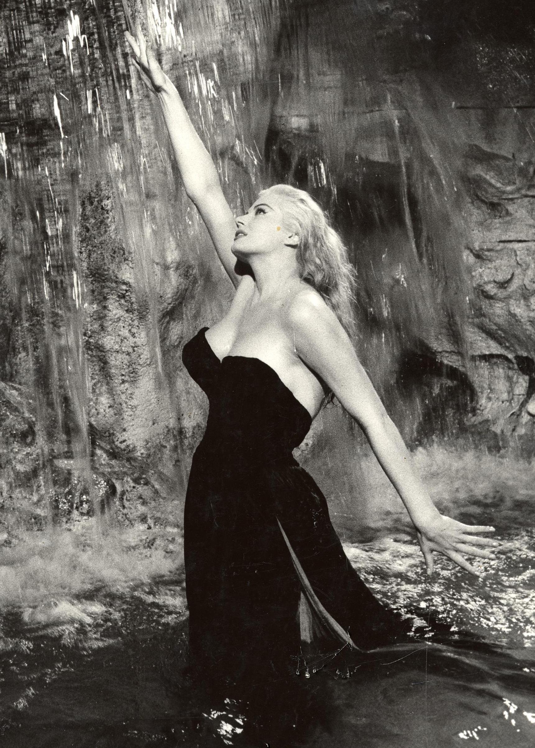 Anita Ekberg in La dolce Vita di Federico Fellini