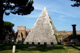 Piramide Cestia a Roma