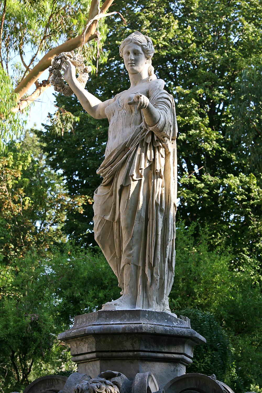 Statua della Flora
