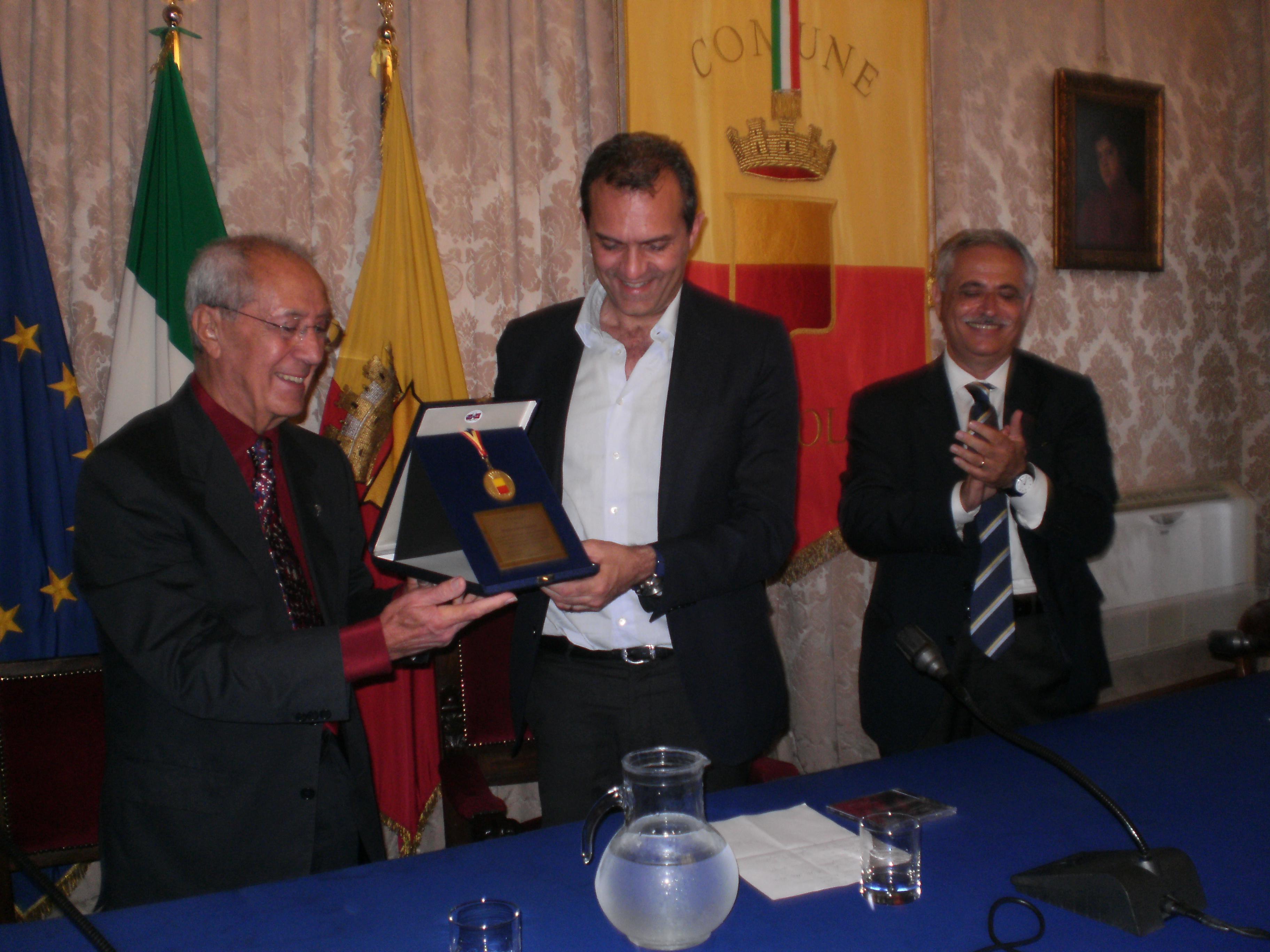 Fausto Cigliano, consegna dell'onorificenza