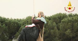 Befana acrobatica dei Vigili del Fuoco di Firenze