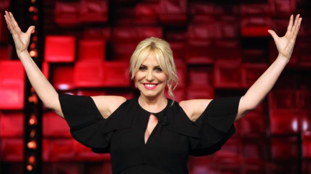 Stasera in tv STANDING OVATION conduce Antonella Clerici
