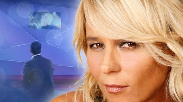 Stasera in tv su canale 5 C'è Posta per te, Maria De Filippi