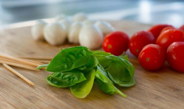 Mozzarella, pomodoro e basilico