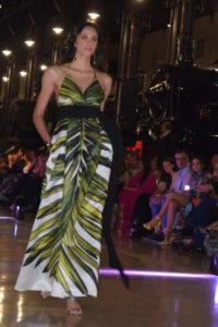 abito a foglie verdi
