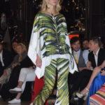 pantalone e casacca a foglie verdi
