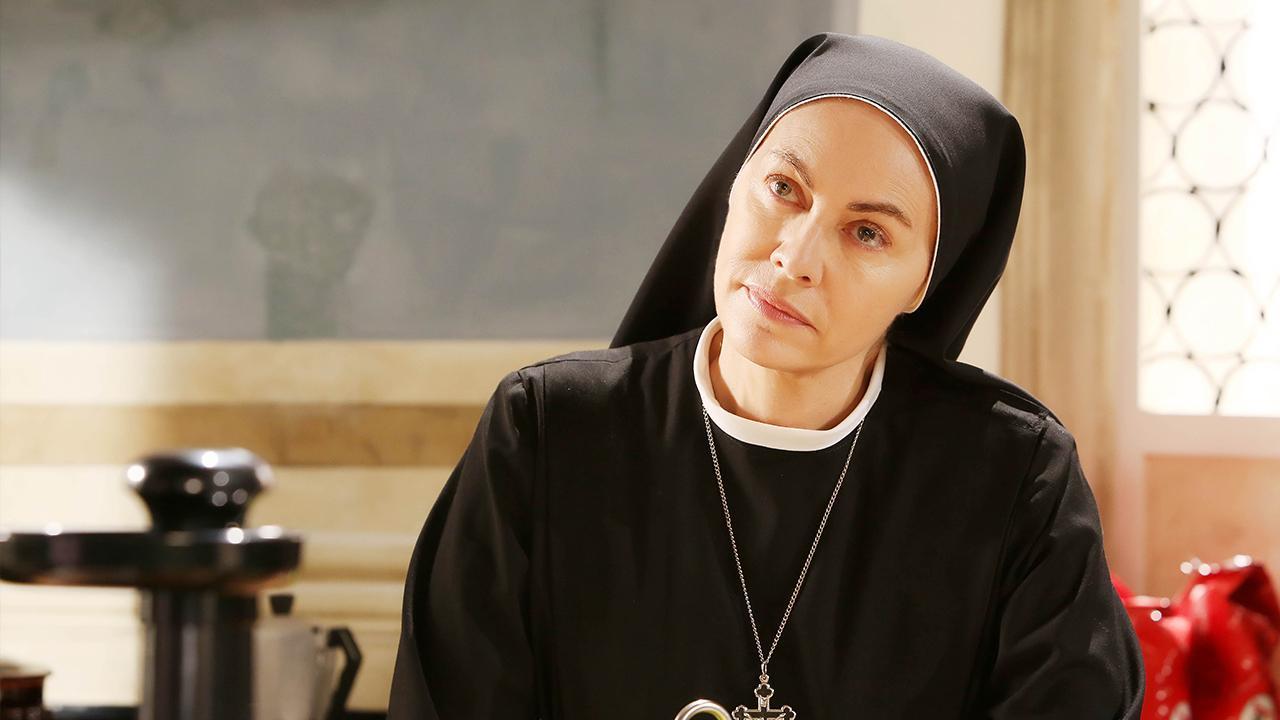 Stasera in tv Che dio ci aiuti 5, suor Angela è Elena Sofia Ricci