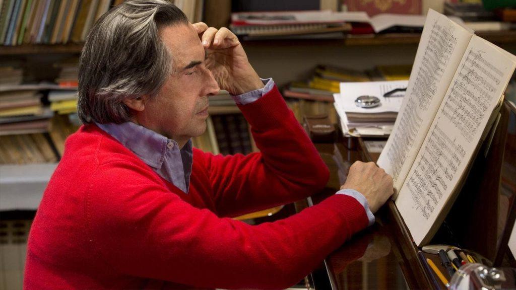 Stasera in tv Raffaella Carrà intervista Riccardo Muti