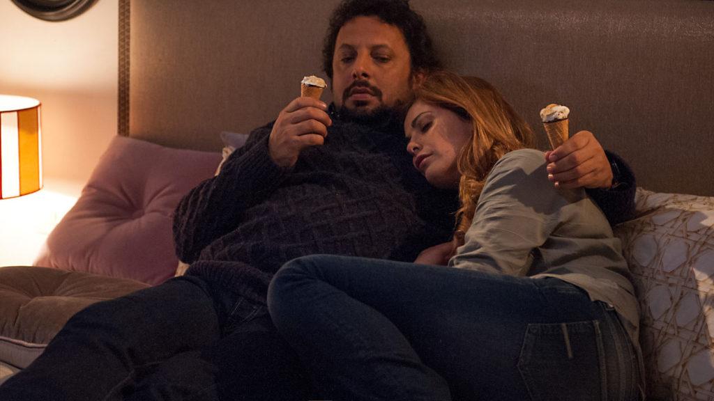 Stasera in tv il film Tutte lo vogliono, conEnrico Brignano e Vanessa Incontrada